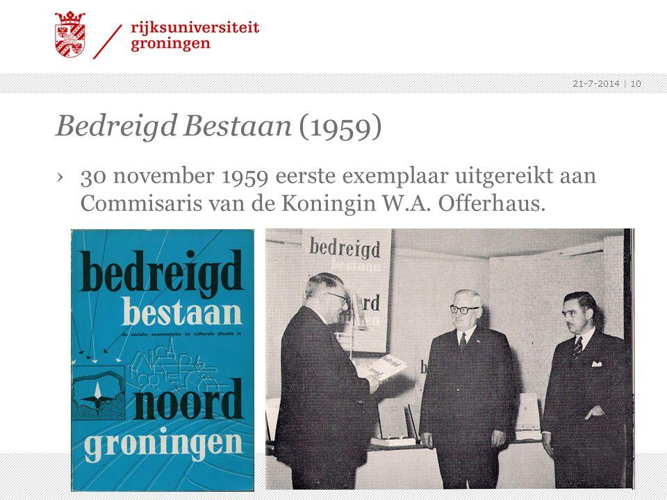 4-4-2017 Bedreigd Bestaan (1959) 30 november 1959 eerste exemplaar uitgereikt aan Commisaris van de Koningin W.A. Offerhaus.
