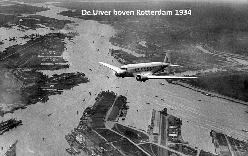 De Uiver boven Rotterdam 1934
