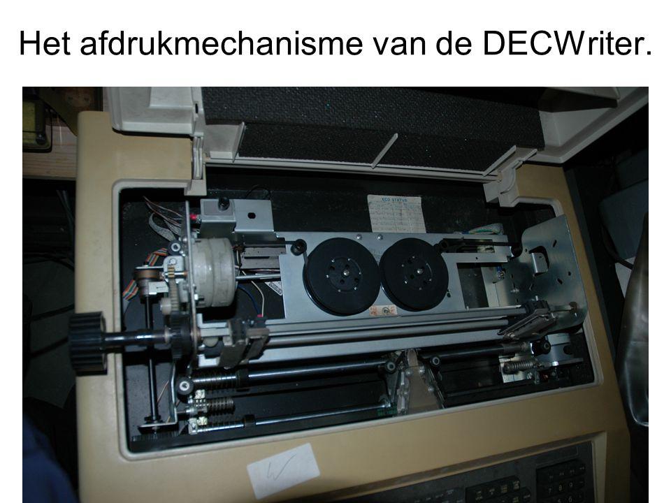 Het afdrukmechanisme van de DECWriter.