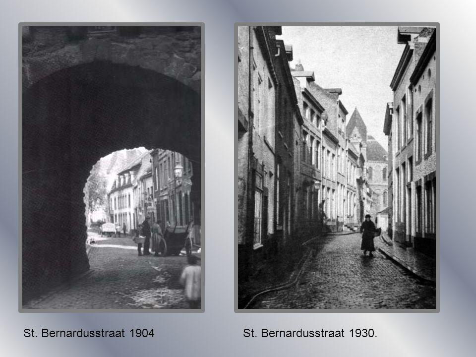 St. Bernardusstraat 1904 St. Bernardusstraat 1930.