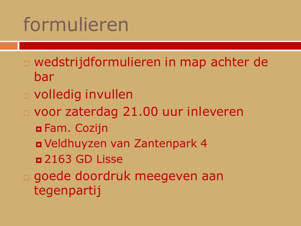 formulieren wedstrijdformulieren in map achter de bar