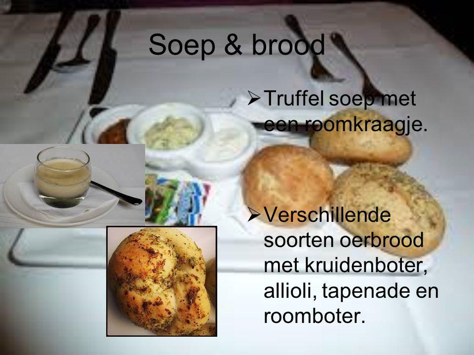Soep & brood Truffel soep met een roomkraagje.