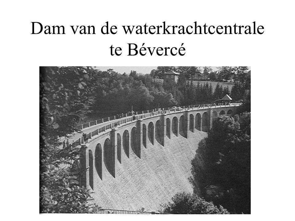 Dam van de waterkrachtcentrale te Bévercé
