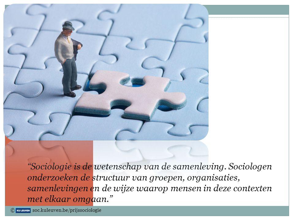 In slides 3-11 worden een aantal quotes gegeven die verduidelijken wat sociologie juist is en over welke overkoepelende thema's het zoal gaat