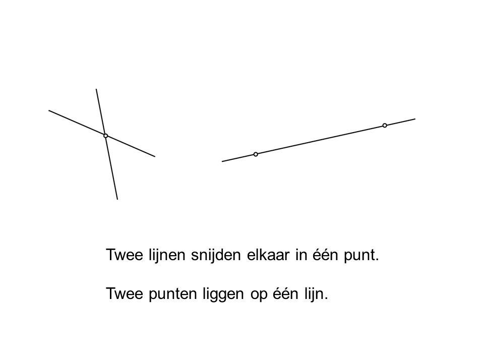 Twee lijnen snijden elkaar in één punt.