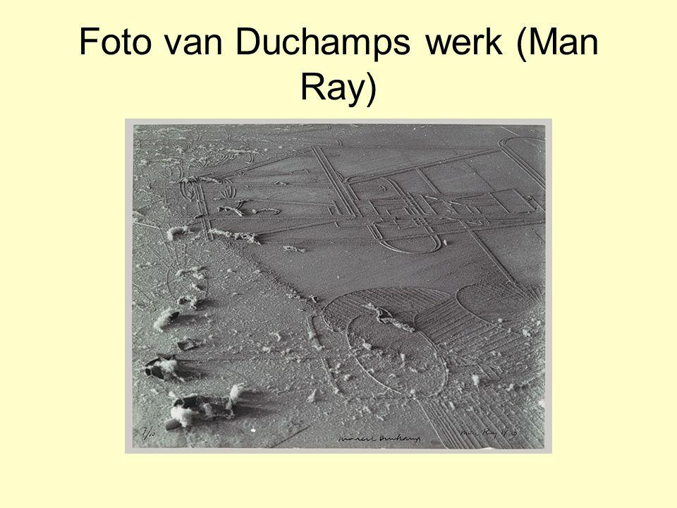Foto van Duchamps werk (Man Ray)