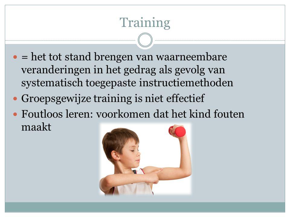 Training = het tot stand brengen van waarneembare veranderingen in het gedrag als gevolg van systematisch toegepaste instructiemethoden.
