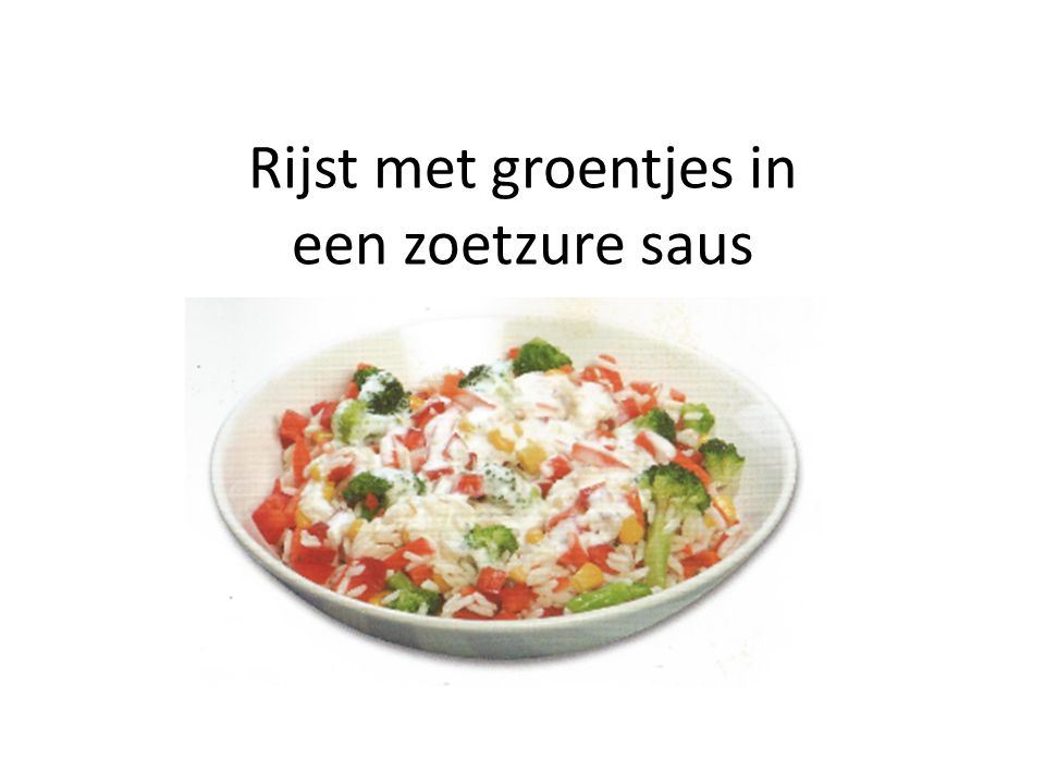 Rijst met groentjes in een zoetzure saus