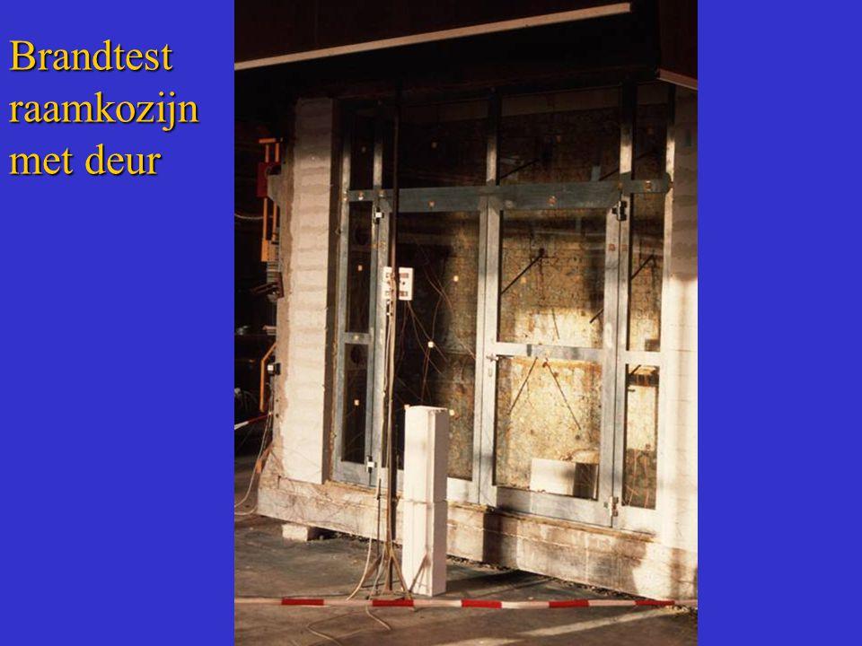 Brandtest raamkozijn met deur