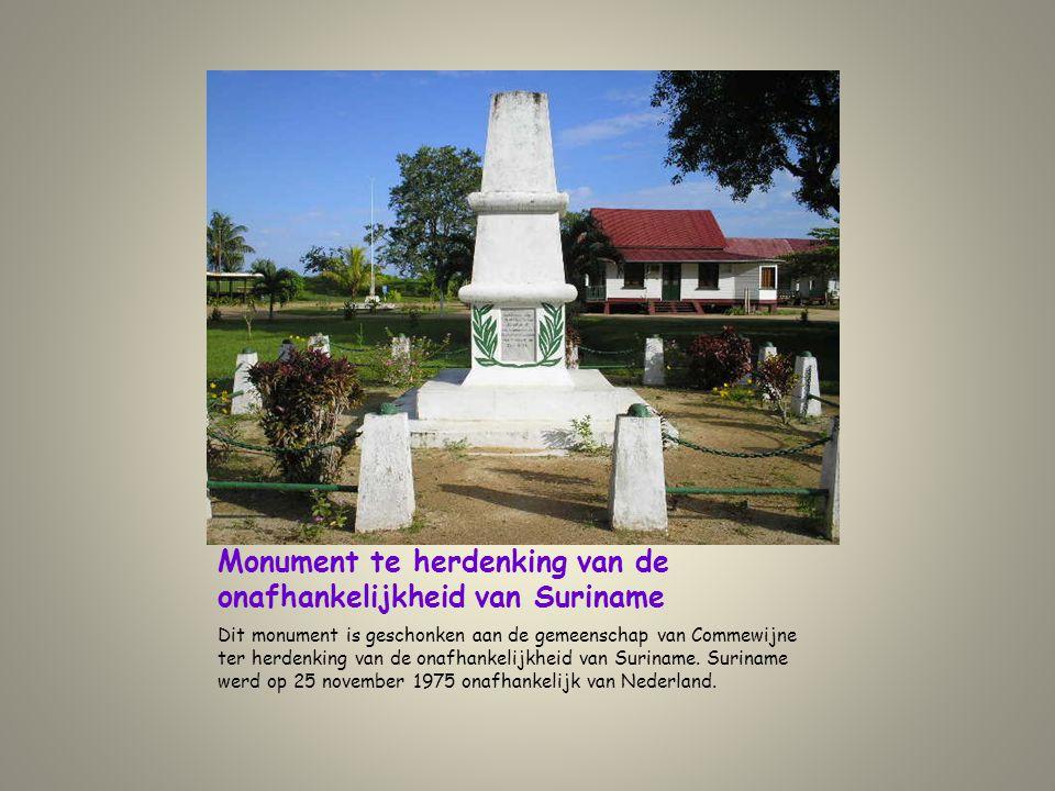 Monument te herdenking van de onafhankelijkheid van Suriname
