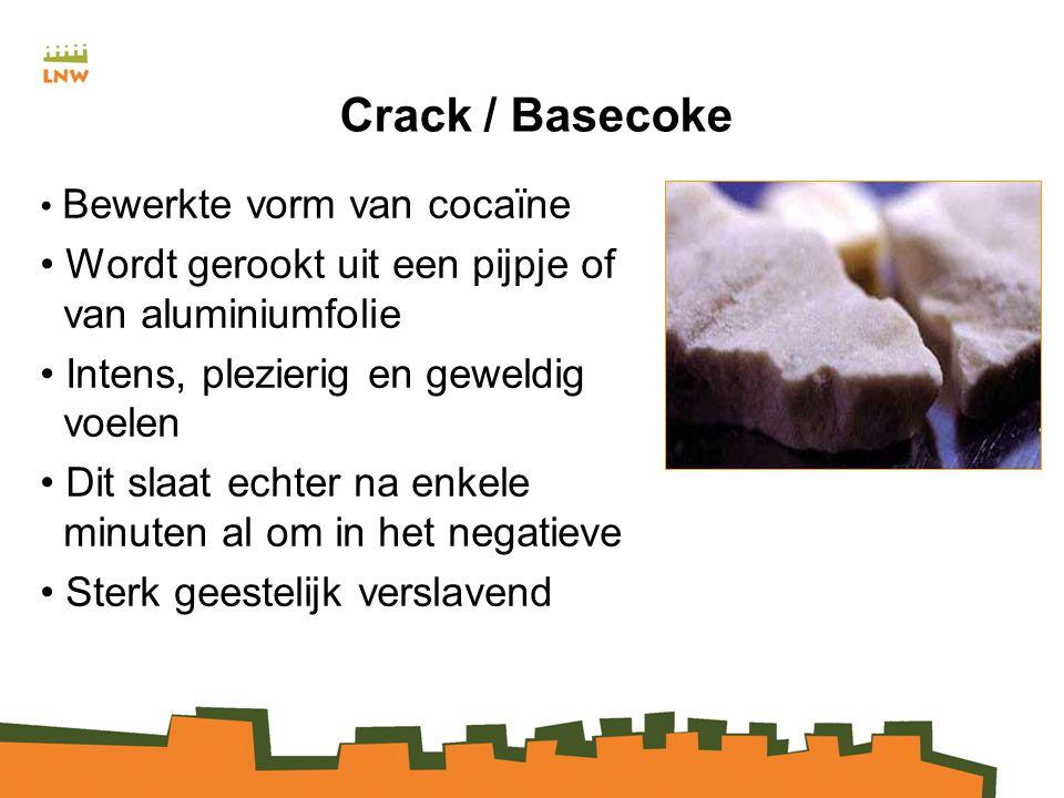 Crack / Basecoke Wordt gerookt uit een pijpje of van aluminiumfolie
