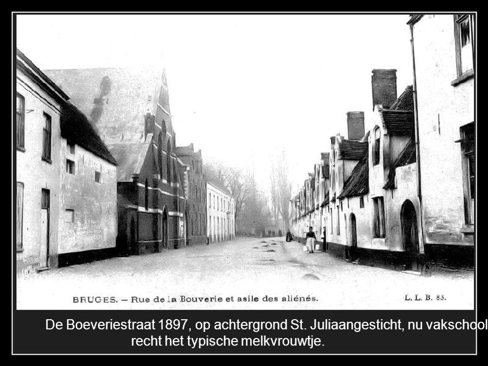 De Boeveriestraat 1897, op achtergrond St