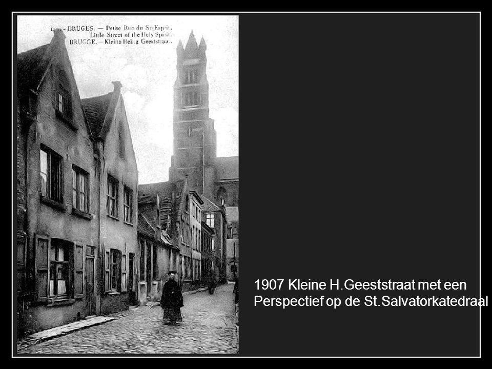 1907 Kleine H.Geeststraat met een