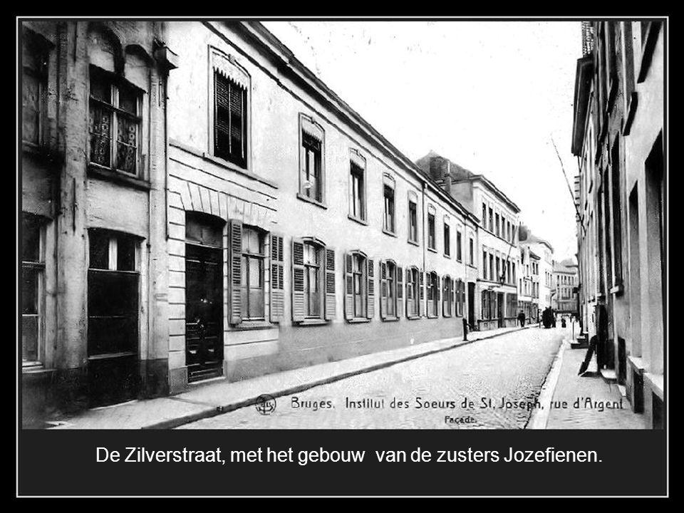 De Zilverstraat, met het gebouw van de zusters Jozefienen.
