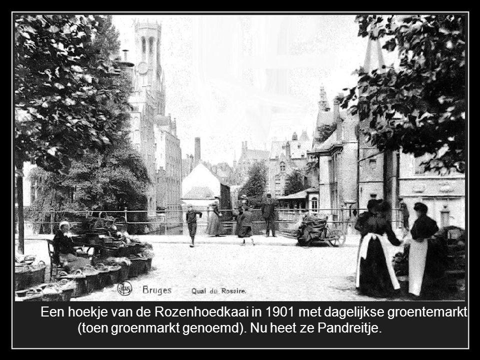 Een hoekje van de Rozenhoedkaai in 1901 met dagelijkse groentemarkt
