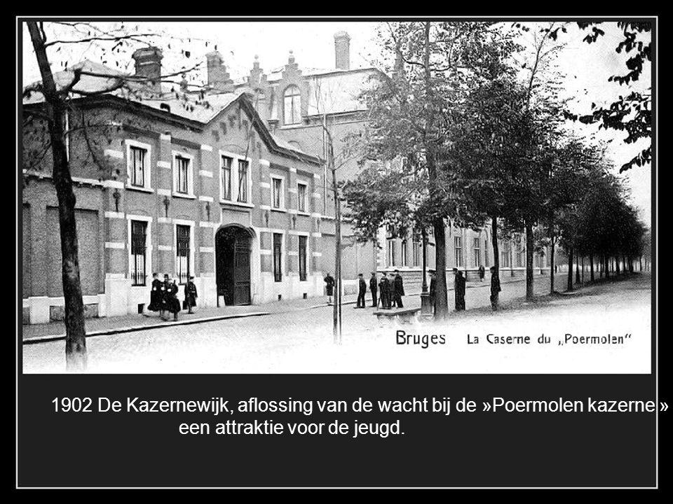 1902 De Kazernewijk, aflossing van de wacht bij de »Poermolen kazerne »