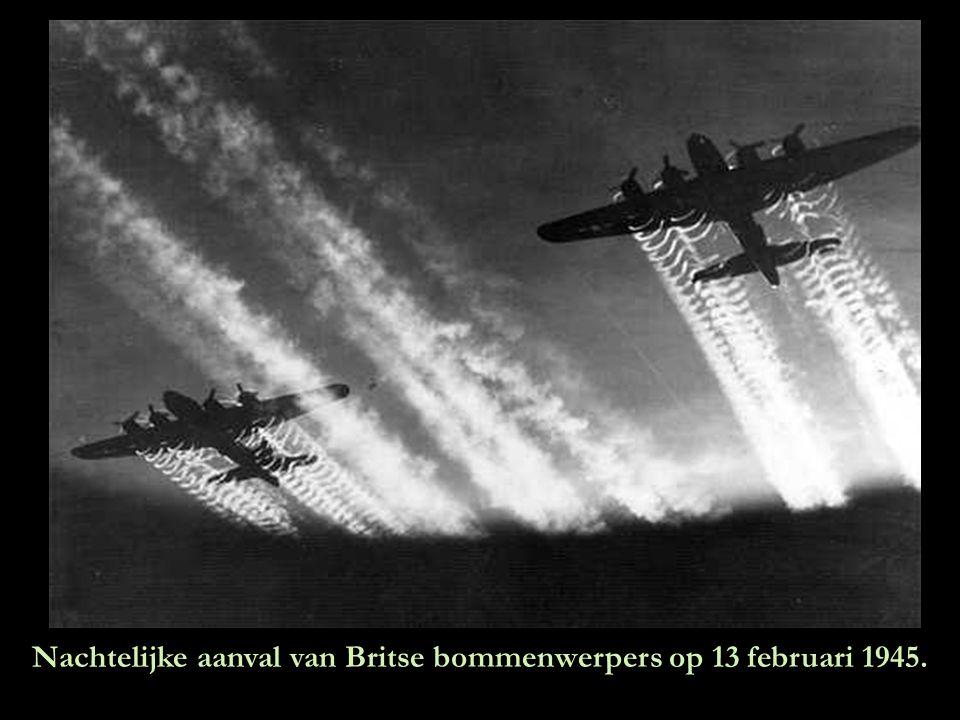 Nachtelijke aanval van Britse bommenwerpers op 13 februari 1945.
