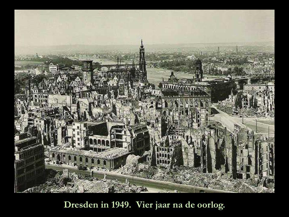 Dresden in 1949. Vier jaar na de oorlog.