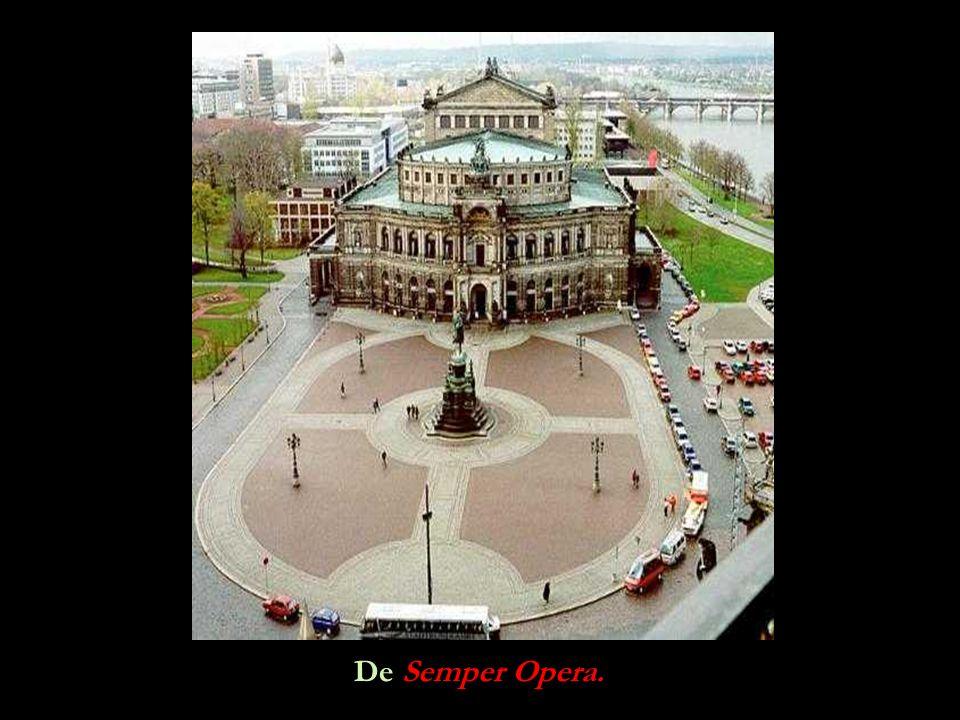 De Semper Opera.