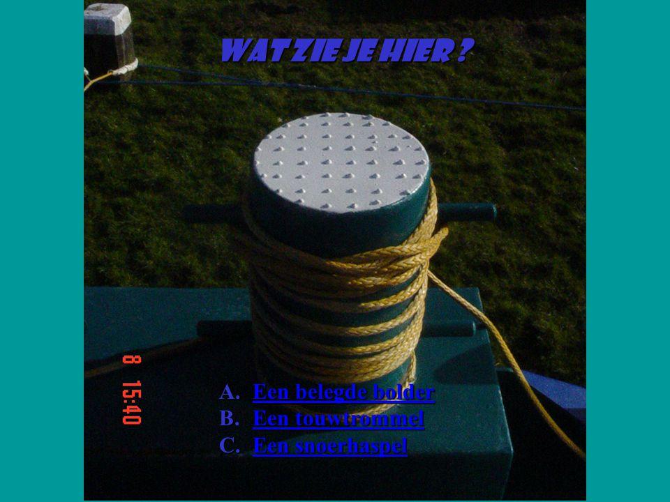 Wat zie je hier Een belegde bolder Een touwtrommel Een snoerhaspel