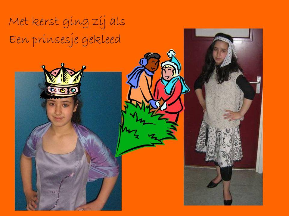 Met kerst ging zij als Een prinsesje gekleed