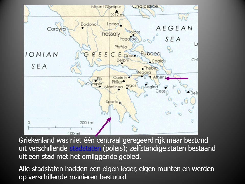 Griekenland was niet één centraal geregeerd rijk maar bestond uit verschillende stadstaten (poleis); zelfstandige staten bestaand uit een stad met het omliggende gebied.