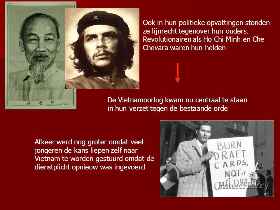 Ook in hun politieke opvattingen stonden ze lijnrecht tegenover hun ouders. Revolutionairen als Ho Chi Minh en Che Chevara waren hun helden