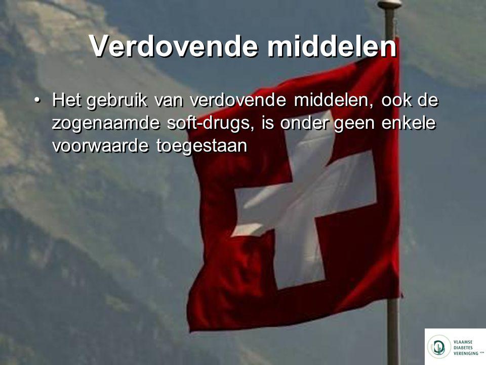 Verdovende middelen Het gebruik van verdovende middelen, ook de zogenaamde soft-drugs, is onder geen enkele voorwaarde toegestaan.