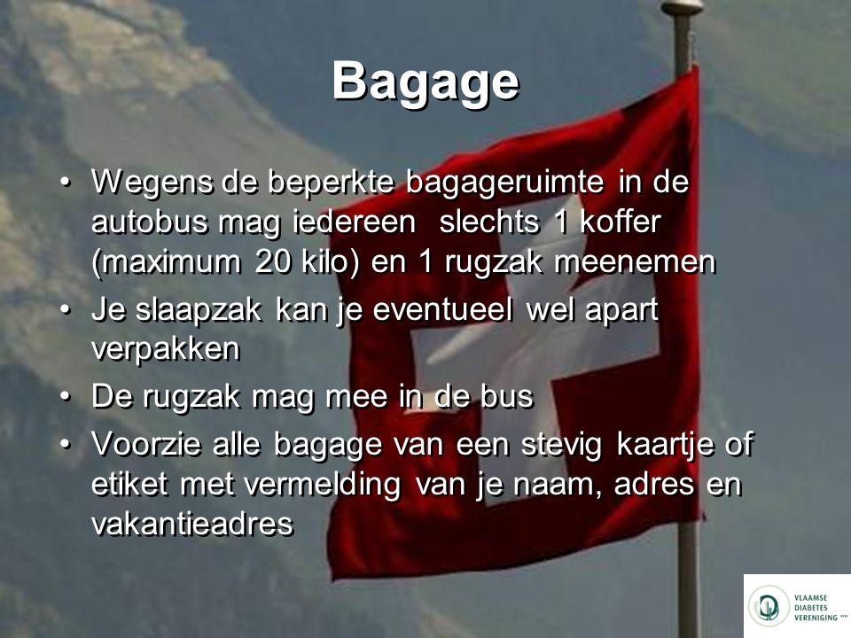 Bagage Wegens de beperkte bagageruimte in de autobus mag iedereen slechts 1 koffer (maximum 20 kilo) en 1 rugzak meenemen.