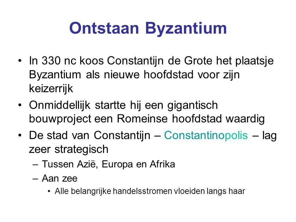 Ontstaan Byzantium In 330 nc koos Constantijn de Grote het plaatsje Byzantium als nieuwe hoofdstad voor zijn keizerrijk.