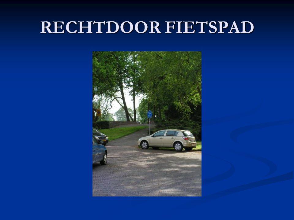 RECHTDOOR FIETSPAD
