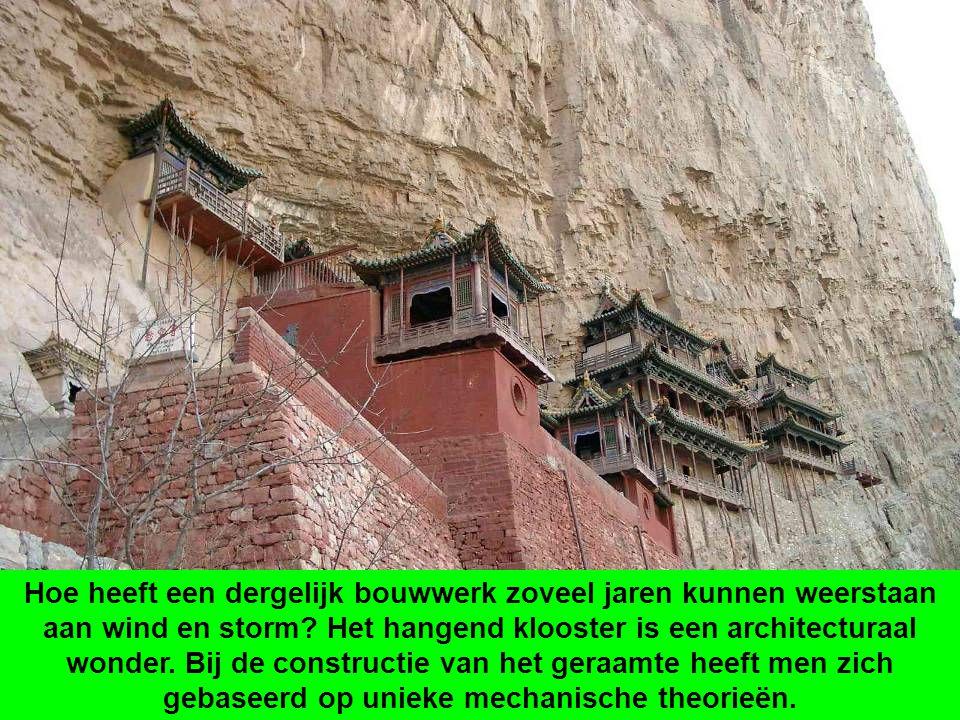 Hoe heeft een dergelijk bouwwerk zoveel jaren kunnen weerstaan aan wind en storm.