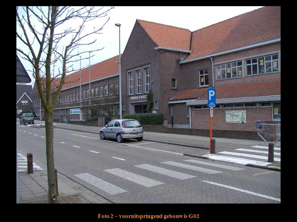 Foto 2 – vooruitspringend gebouw is G02