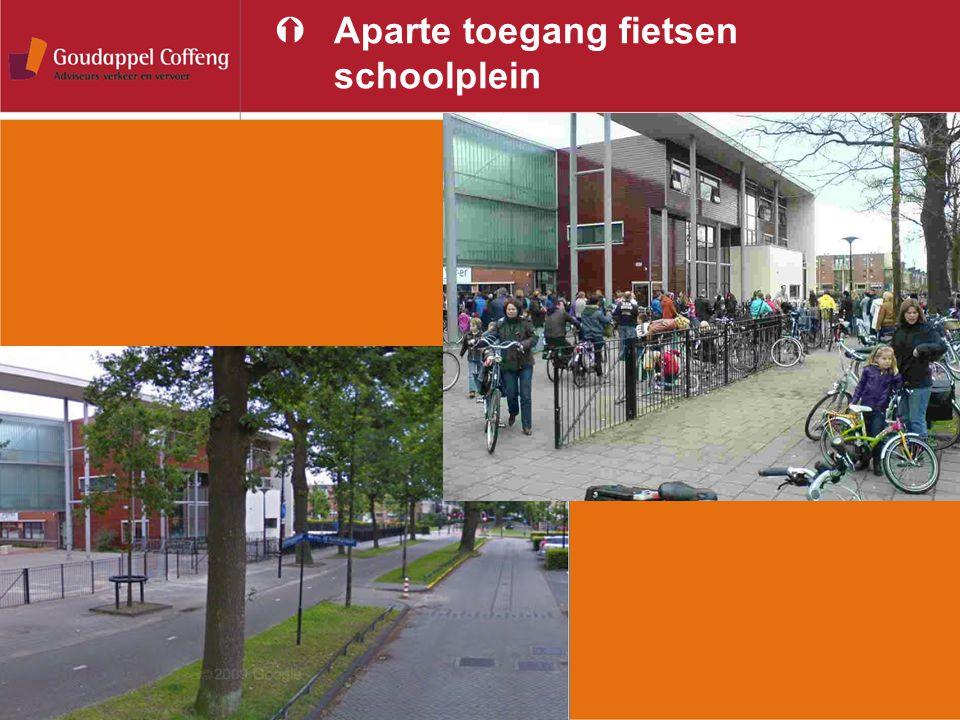 Aparte toegang fietsen schoolplein