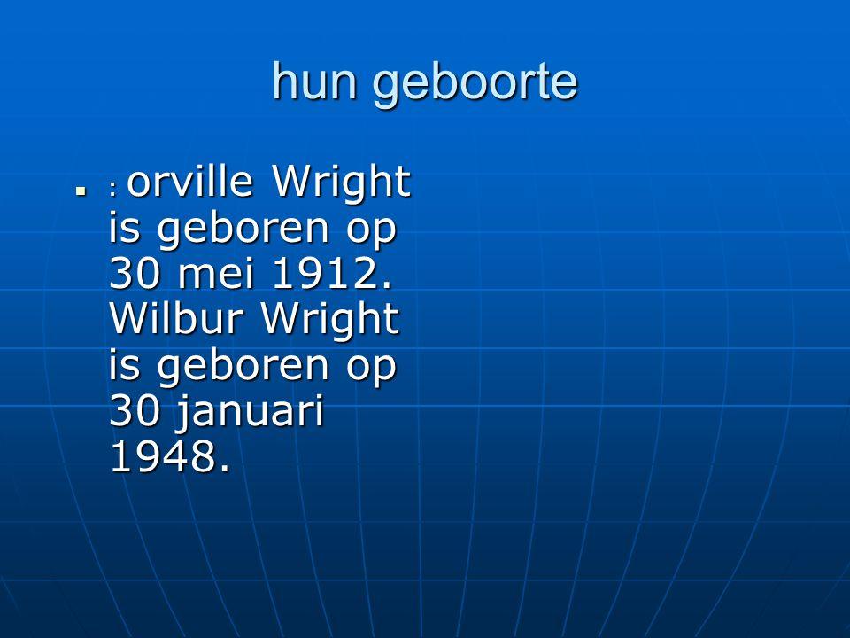 hun geboorte : orville Wright is geboren op 30 mei 1912.