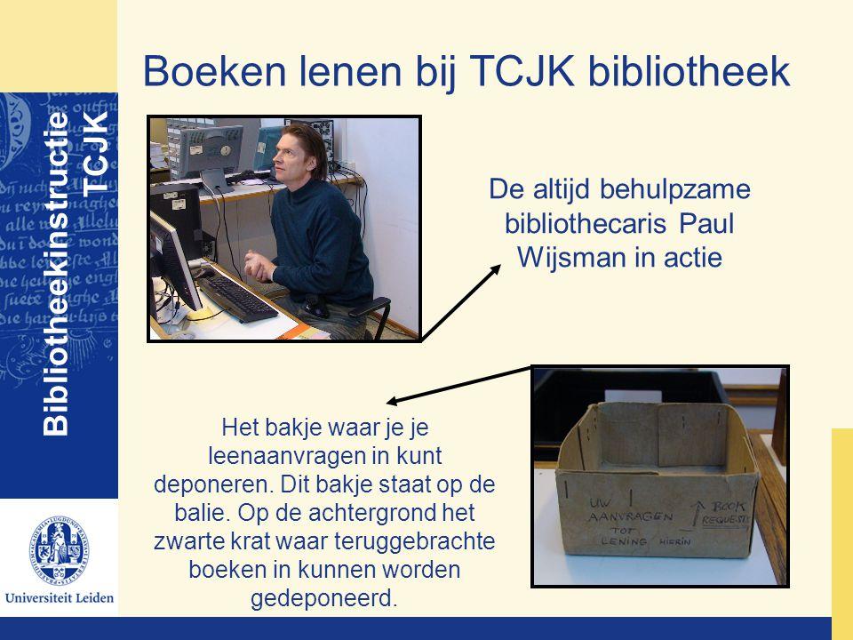 De altijd behulpzame bibliothecaris Paul Wijsman in actie