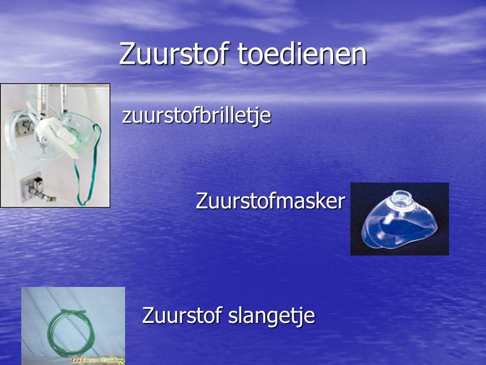 Zuurstof toedienen zuurstofbrilletje Zuurstofmasker Zuurstof slangetje