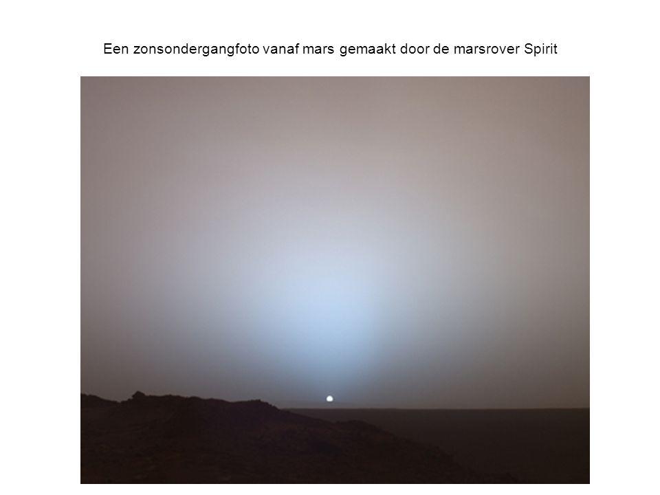 Een zonsondergangfoto vanaf mars gemaakt door de marsrover Spirit