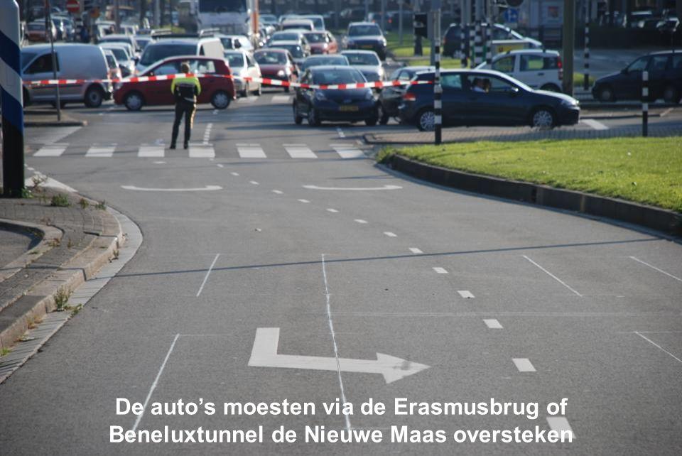 De auto's moesten via de Erasmusbrug of