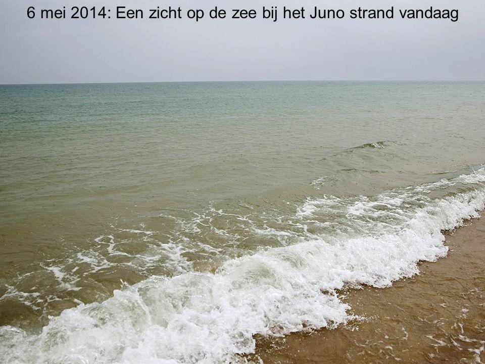 6 mei 2014: Een zicht op de zee bij het Juno strand vandaag