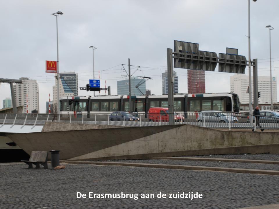 De Erasmusbrug aan de zuidzijde
