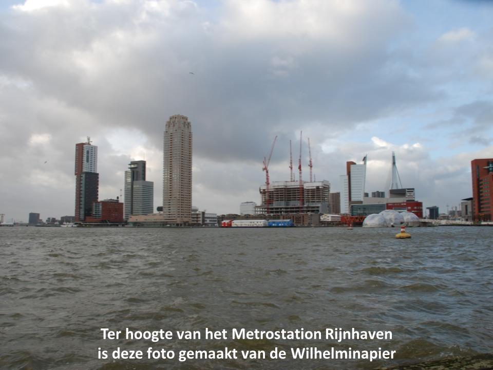 Ter hoogte van het Metrostation Rijnhaven