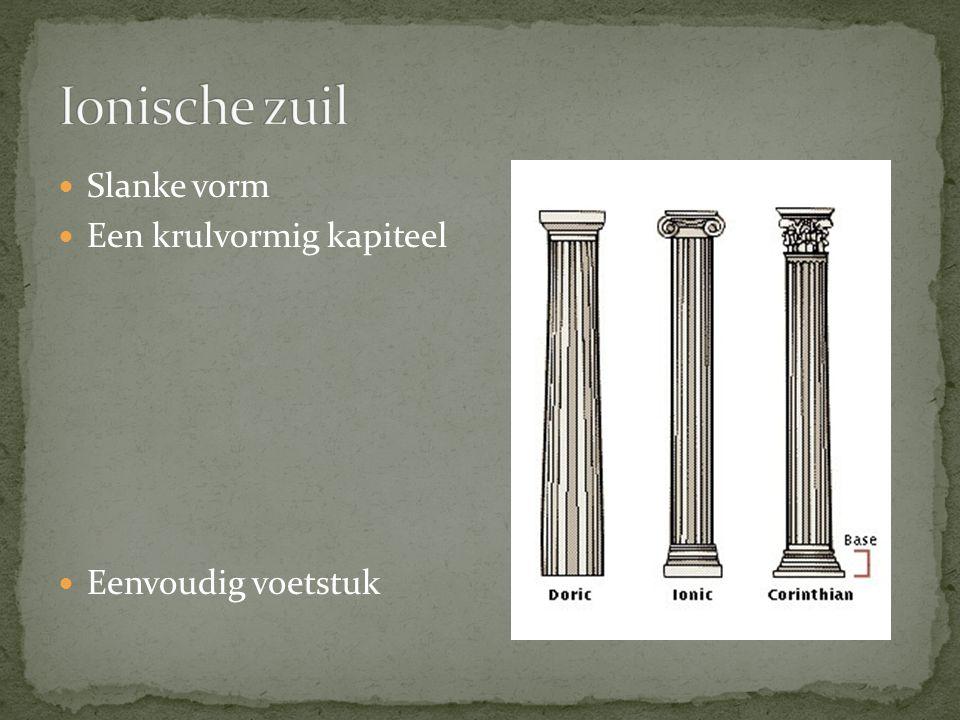 Ionische zuil Slanke vorm Een krulvormig kapiteel Eenvoudig voetstuk