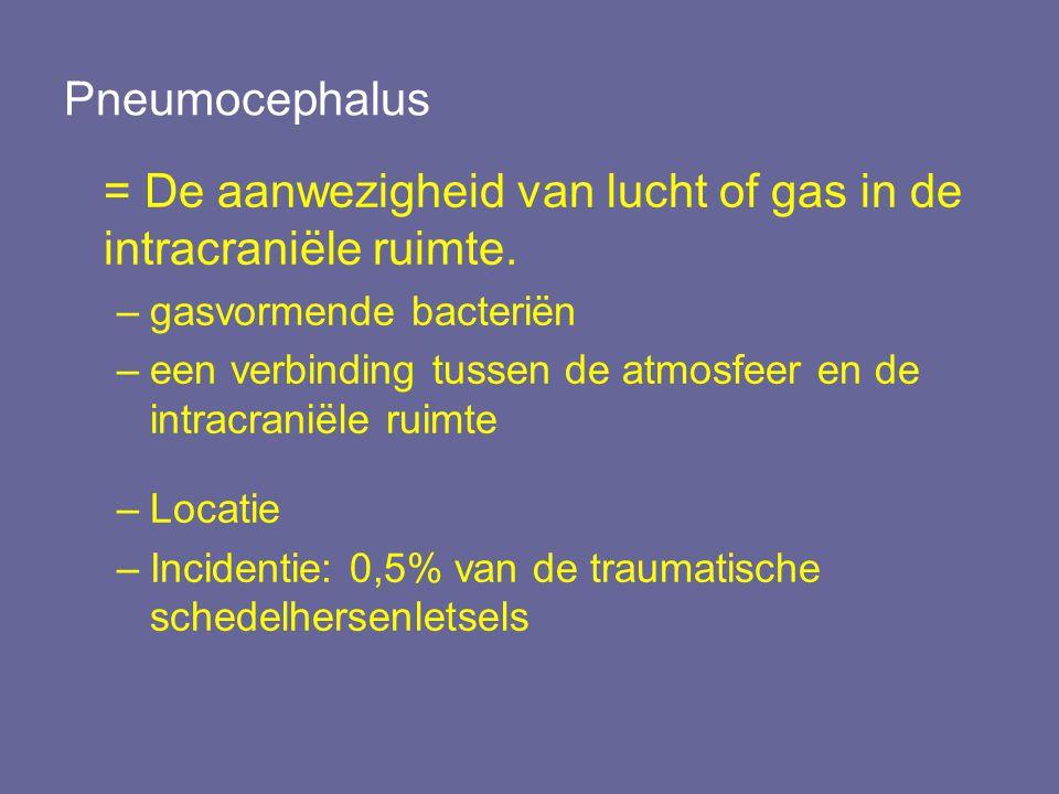 = De aanwezigheid van lucht of gas in de intracraniële ruimte.