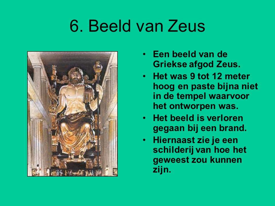 6. Beeld van Zeus Een beeld van de Griekse afgod Zeus.