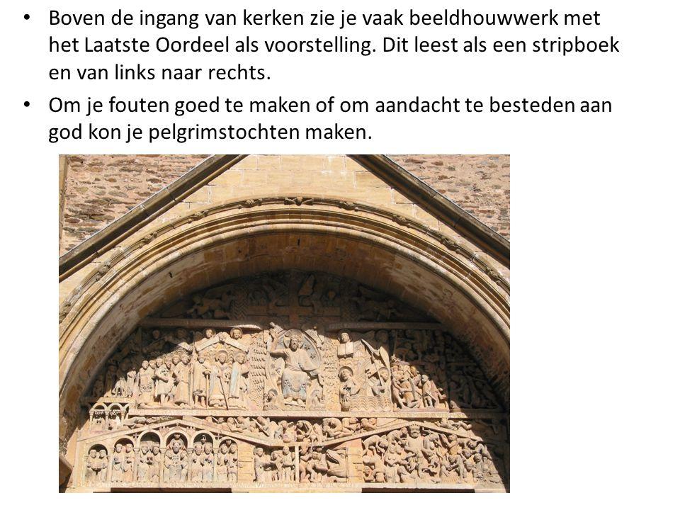 Boven de ingang van kerken zie je vaak beeldhouwwerk met het Laatste Oordeel als voorstelling. Dit leest als een stripboek en van links naar rechts.
