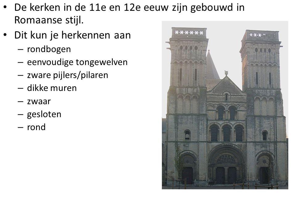 De kerken in de 11e en 12e eeuw zijn gebouwd in Romaanse stijl.