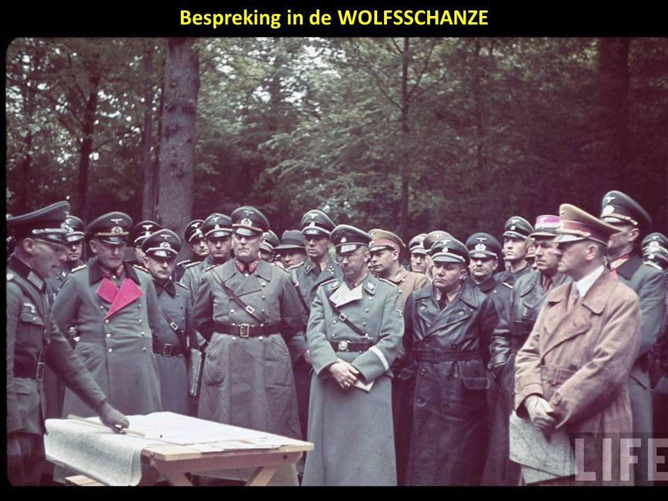 Bespreking in de WOLFSSCHANZE
