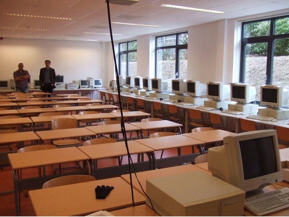collegezaal Men heeft één collegezaal die in toenemende mate gebruikt wordt.