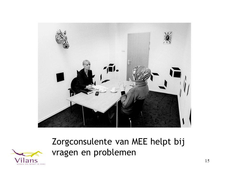 Zorgconsulente van MEE helpt bij vragen en problemen